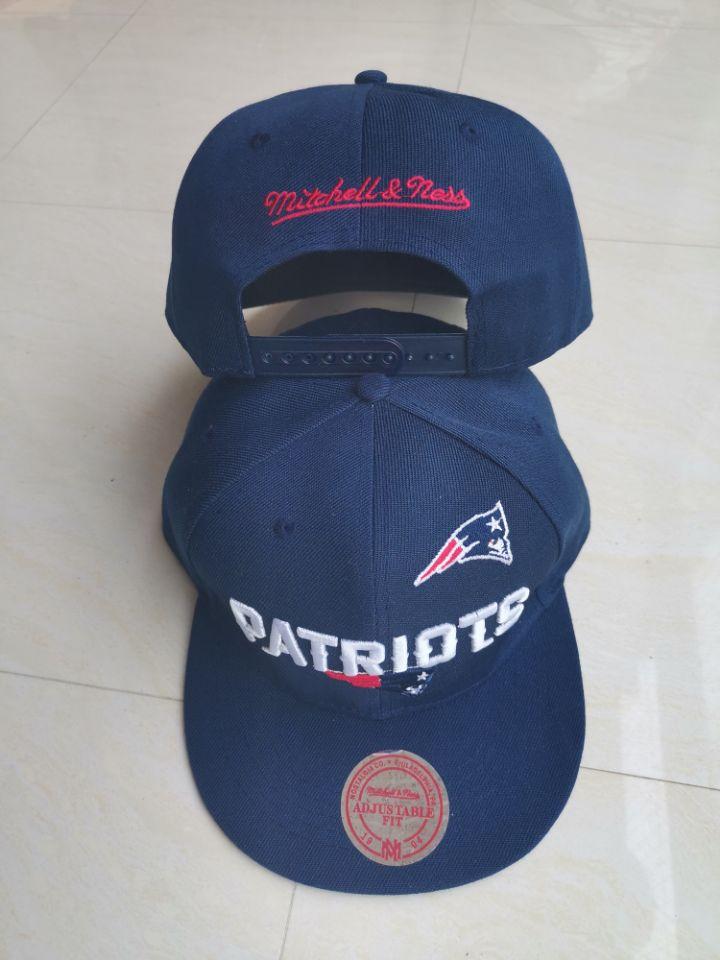 Patriots Team Logo Navy Mitchell & Ness Adjustable Hat LT