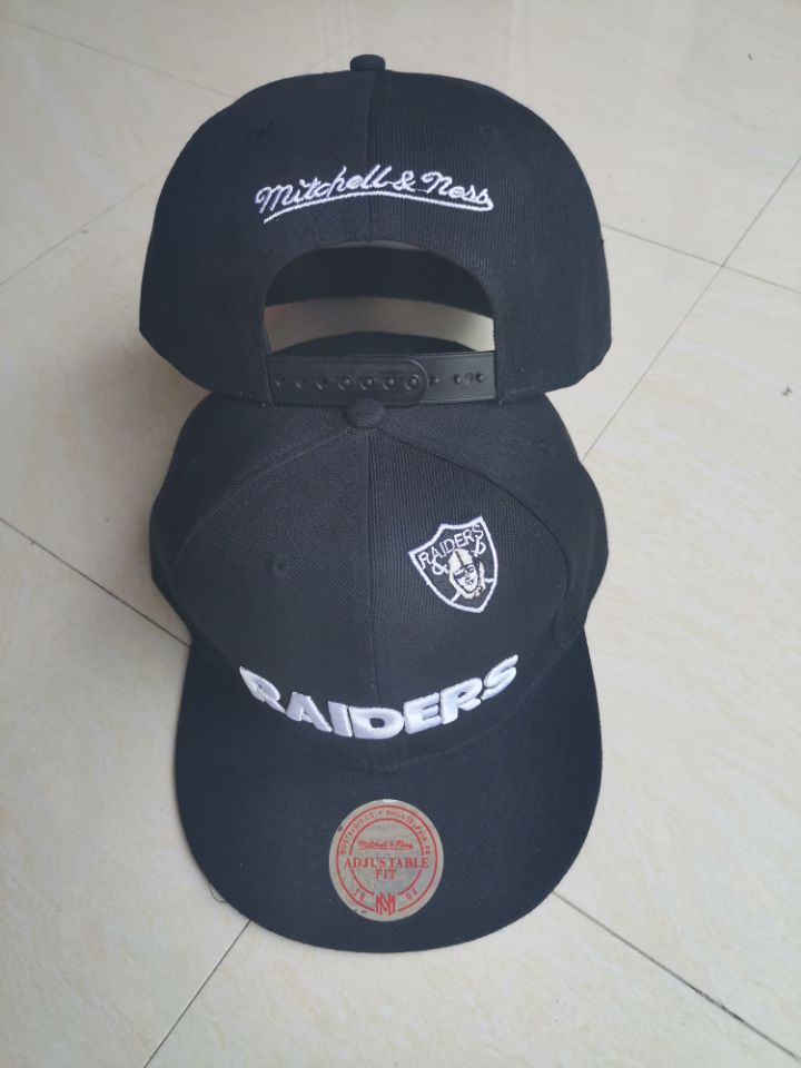 Raiders Team Logo Black Mitchell & Ness Adjustable Hat LT