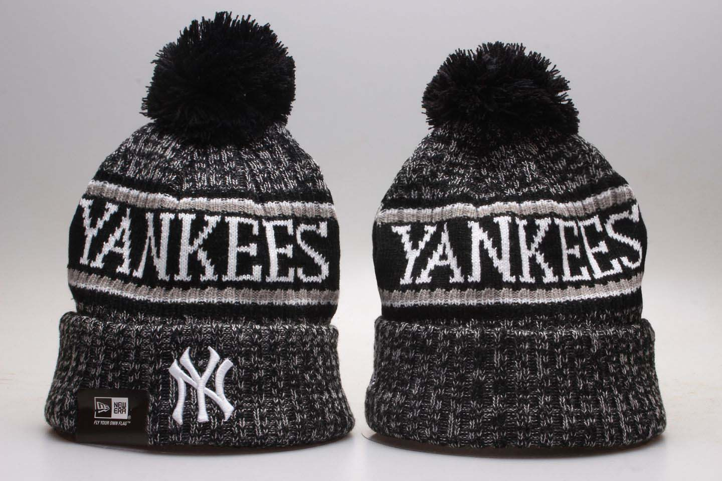 Yankees Fresh Logo Black Knit Hat With Pom YP