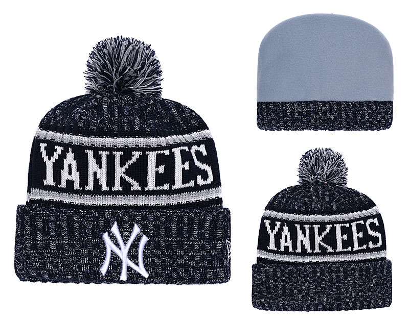 Yankees Fresh Logo Black Pom Knit Hat YD