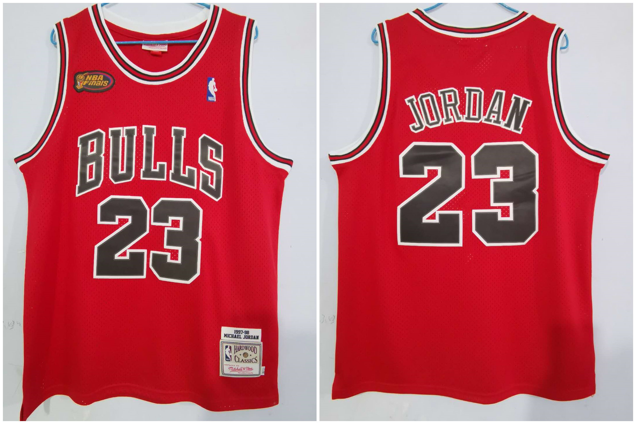 Bulls 23 Michael Jordan Red NBA Finals Patch 1997-98 Hardwood Classics Jersey