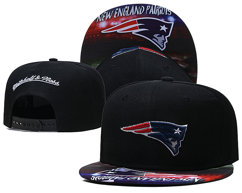 Patriots Team Logo Black Mitchell & Ness Adjustable Hat LH