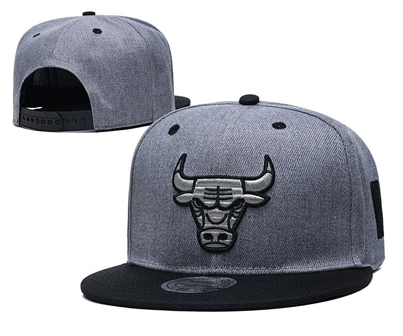 Bulls Team Logo Gray Black Adjustable Hat TX
