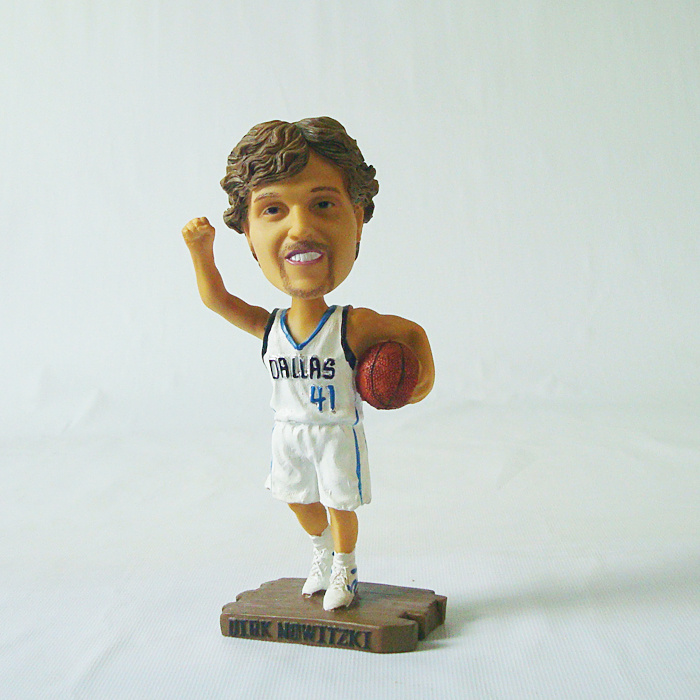 Mavericks 41 Dirk Nowitzki Action Figure